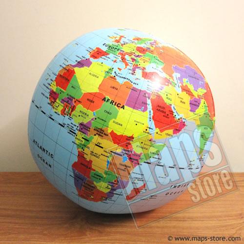 immagine di globo geografico globo geografico Globo Gonfiabile Gigante - diametro 50 cm - globo politico aggiornato per bambini, con i continenti, le nazioni e le capitali del mondo - edizione 2017