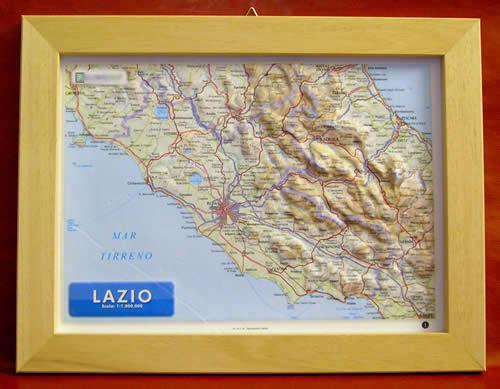 immagine di mappa in rilievo mappa in rilievo Lazio - mappa in rilievo con cornice in legno 36x28 cm