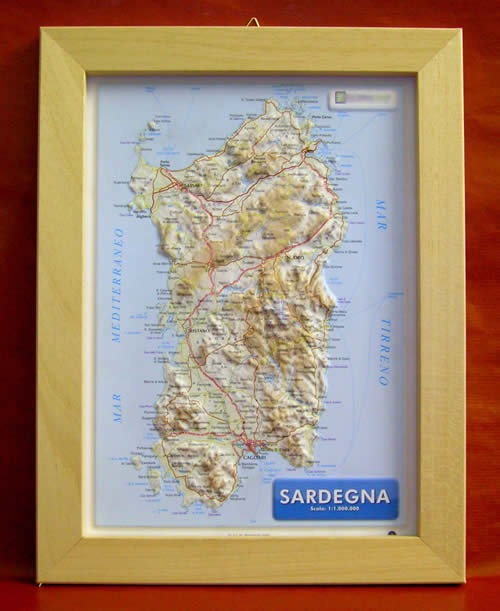 Cartina Sardegna Rilievo.Mappa In Rilievo Sardegna Mappa In Rilievo Con Cornice In Legno 28x36 Cm
