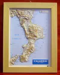 Calabria - carta in rilievo con cornice in legno 28x36 cm