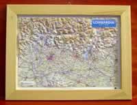 Lombardia - carta in rilievo con cornice in legno 36x28 cm