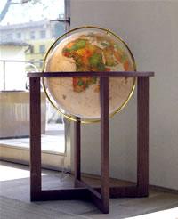 globo geografico gigante luminoso