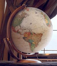 globo geografico Globo in stile antico - luminoso, con base e arco girevole in legno - diametro 30 cm