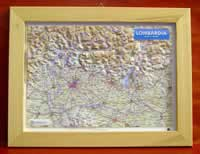 mappa Lombardia in rilievo con cornice legno 36x28 cm